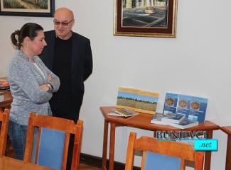 Bunjevački nacionalni savit poklonio nova štampana izdanja Bunjevačkoj matici